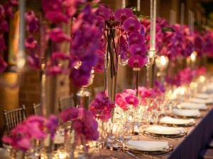 dinner-table-with-flower-arrangements-place-settings-at-the-Asprey-dinner-October-2013_105204